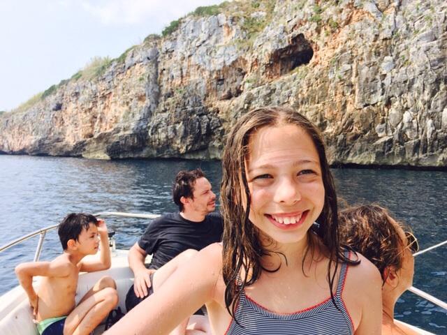 Sous les oliviers ... La mer